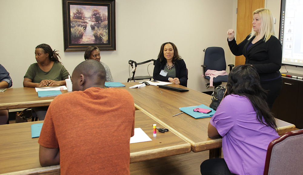 Pilot program at Evaluation Center for Deaf clients - deaf people in the workplace