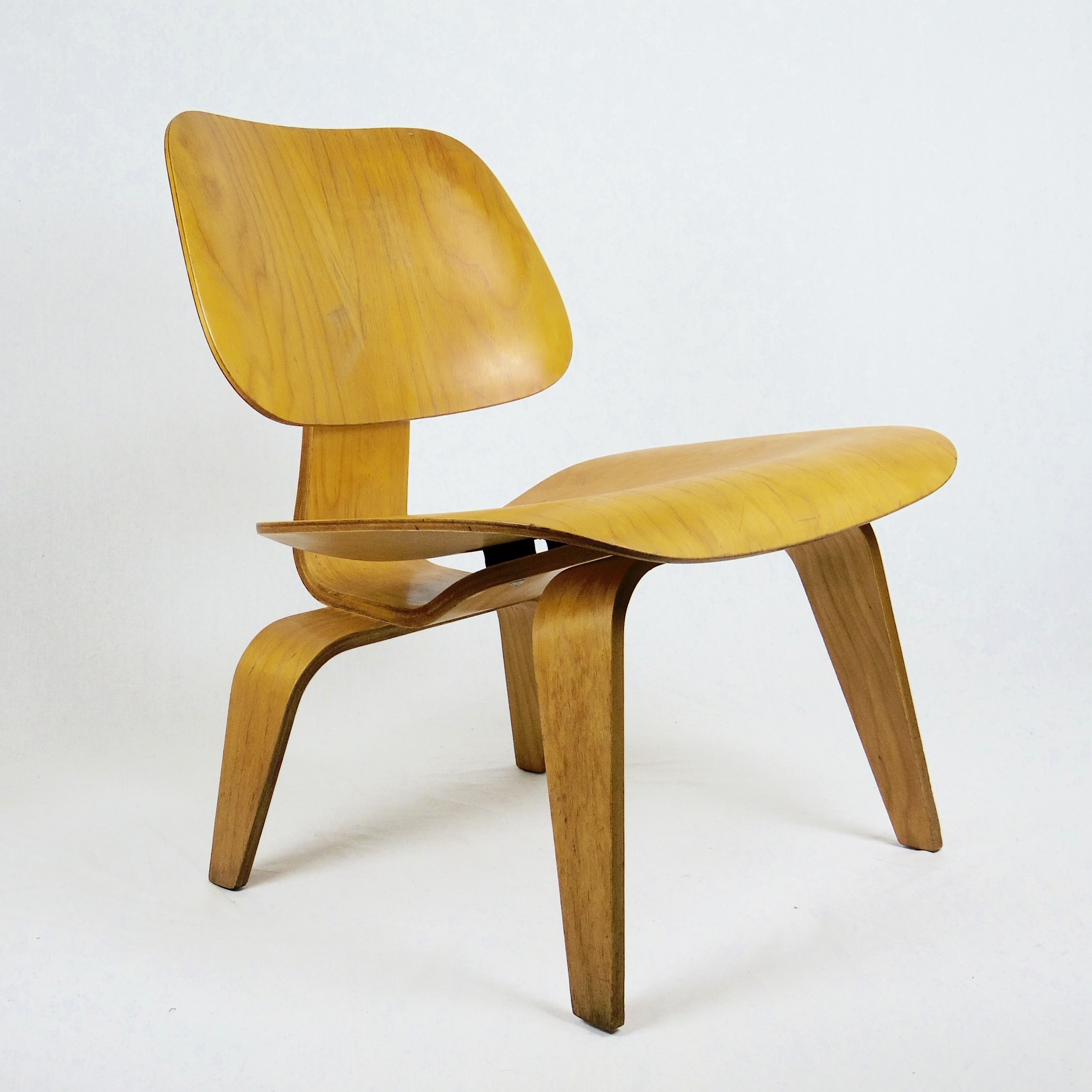 Chaises Aemes La Chaise Eames Occasion. Interesting Best Awesome