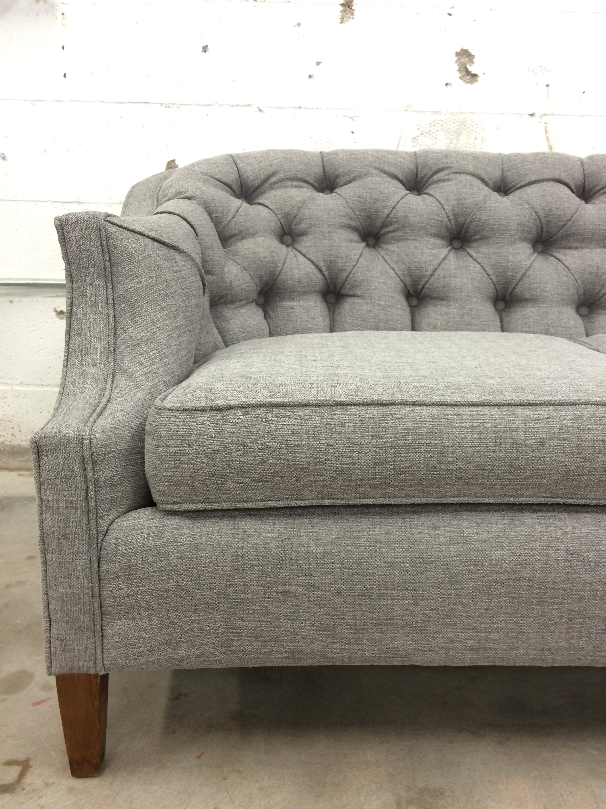 Vintage Couch Before After Vintage Tufted Sofa Goes From Skirted To Stunning