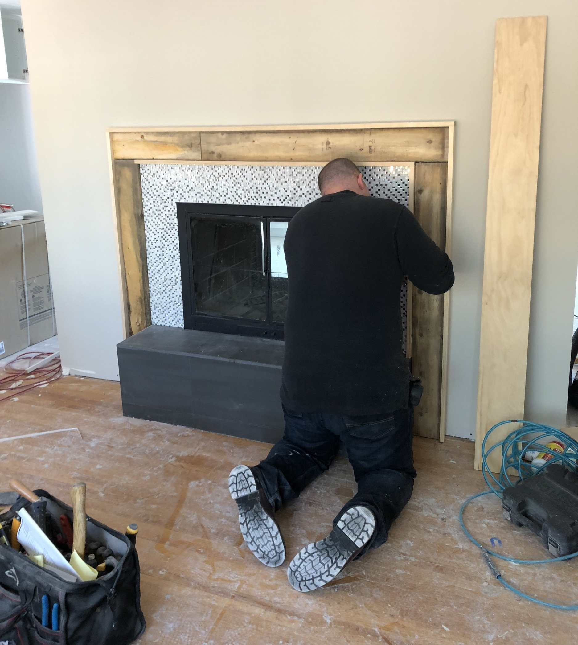 Modern Fireplace Images How To Build A Modern Fireplace Mantel Trubuild Construction