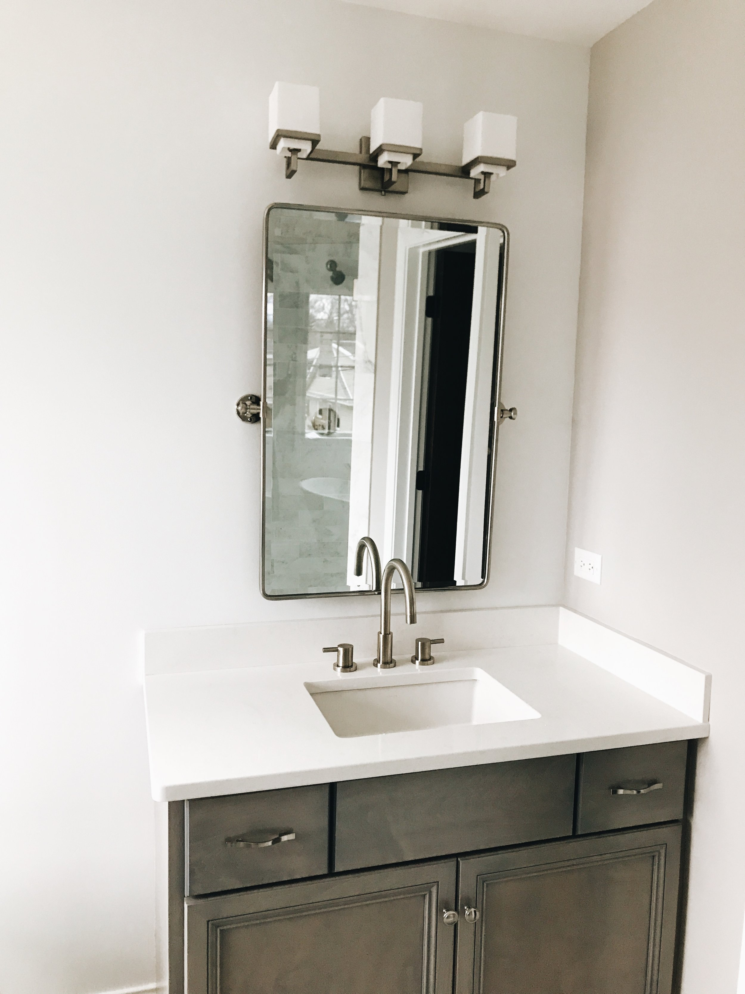 Bathroom With Mirrors Avoid These Two Major Mistakes When Buying Bathroom Vanity Mirrors