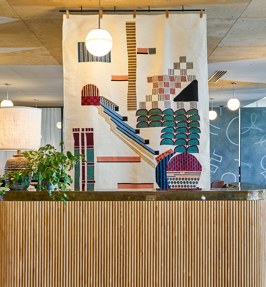 Swimmingpool Bauhaus Ace Hotel Chicago Uses Art To Channel Mies Van Der Rohe And The