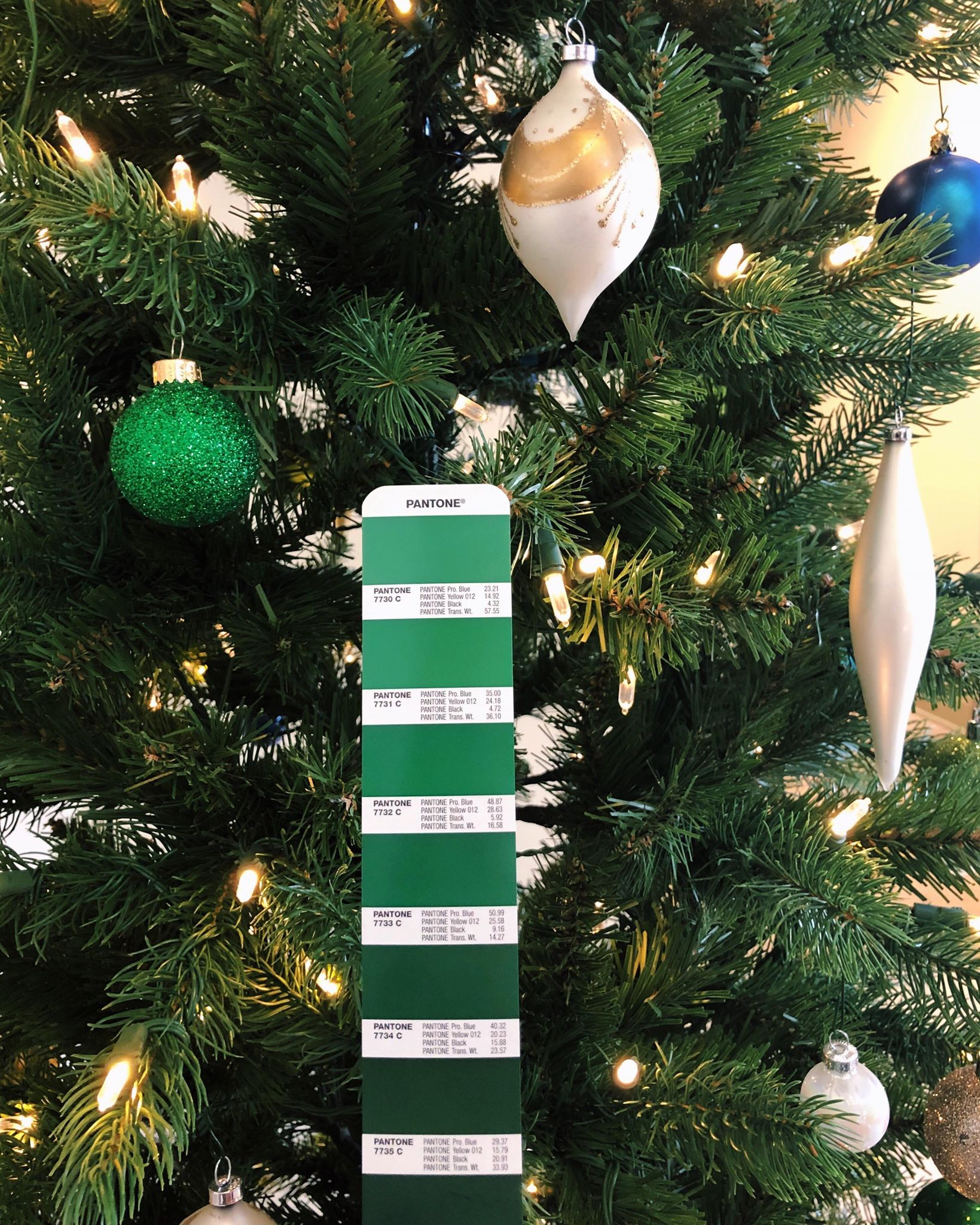 Pantone Christmas Ornaments Oh Christmas Tree Oh Christmas Tree Ours Is Lookin Like 7733 C