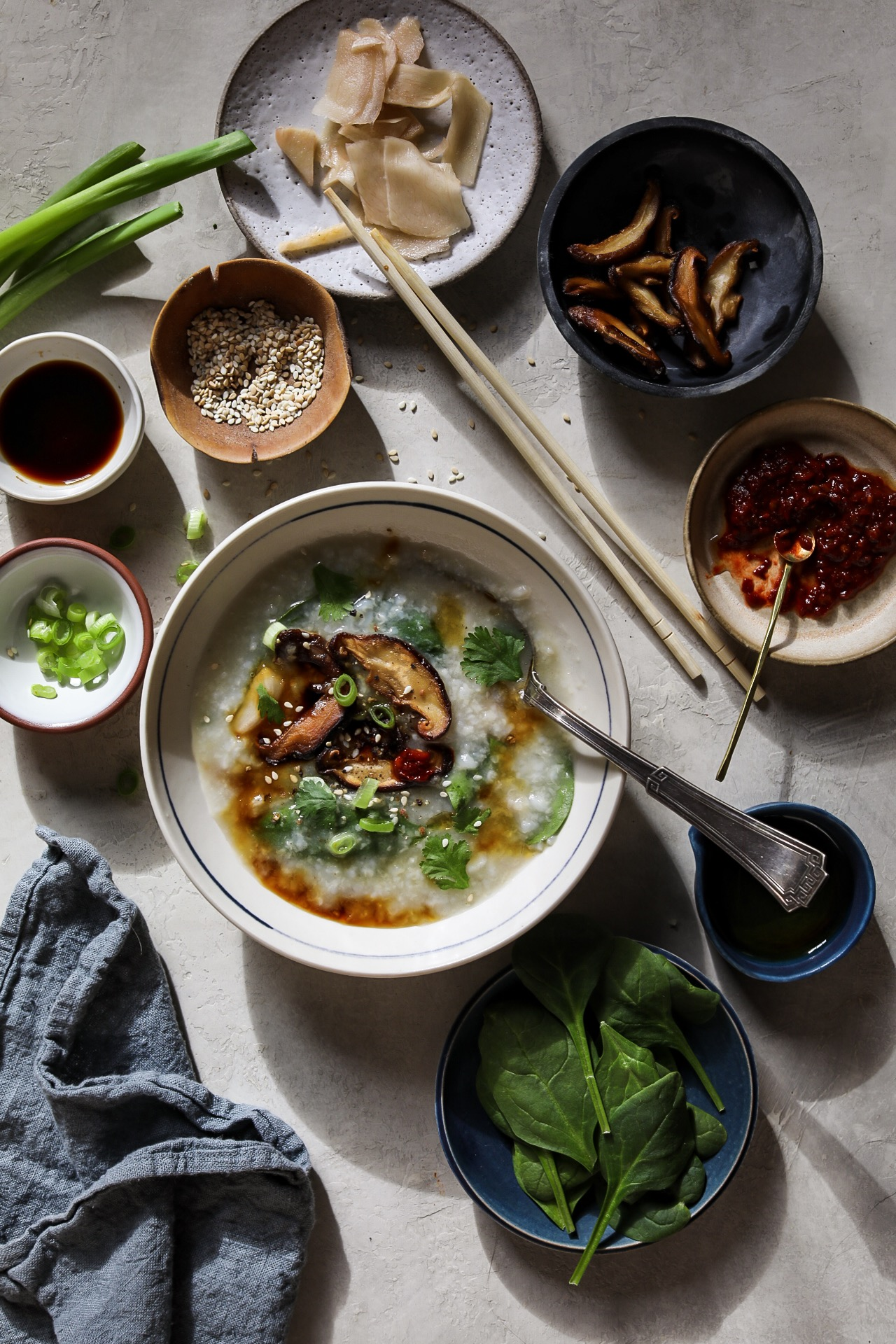 Cuisines Knob Congee With Spinach Shiitake And Ginger Feed The Swimmers
