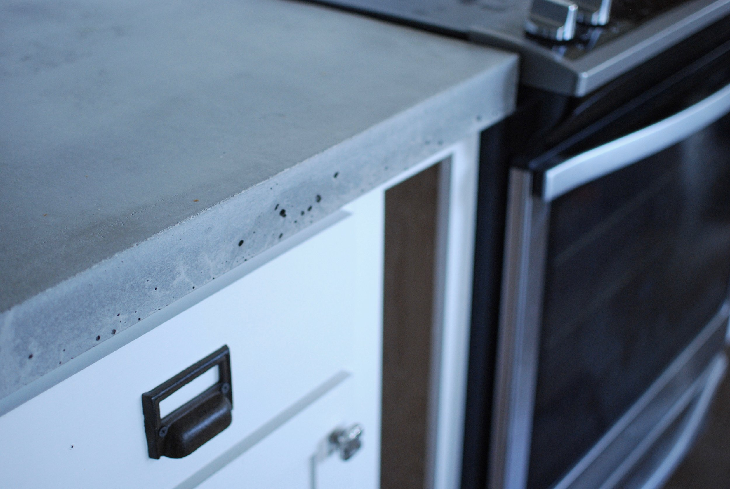 Diy Concrete Countertops Part 2 Pouring And Finishing Greywoodmama