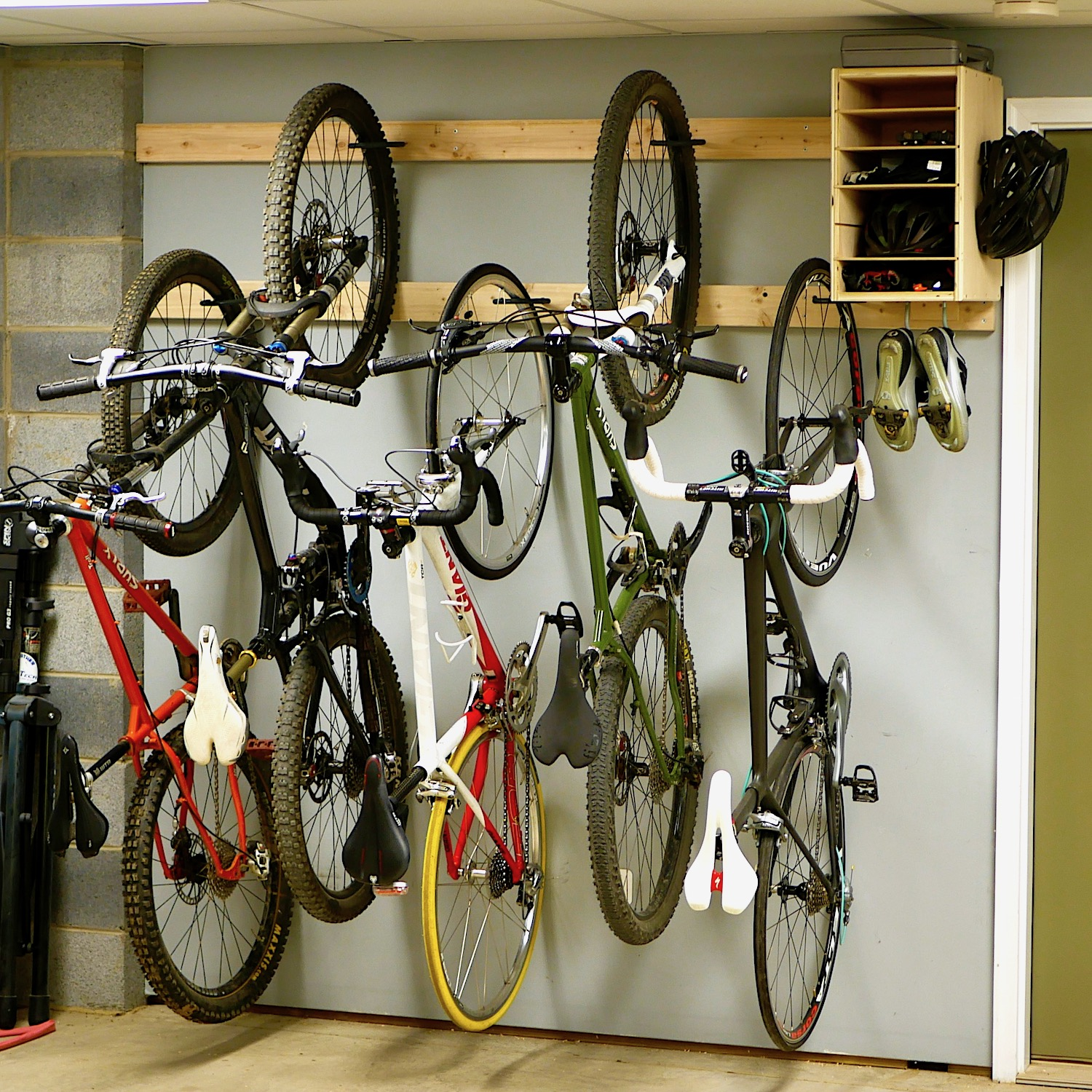 Bike Rack For The Garage How To Make A Diy Bike Rack For 20 Bike Storage Stand Cabinet