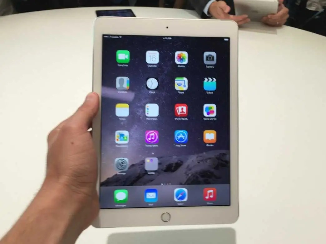 Ipad Air 2 Ipad Air 2 Hands On Photos Business Insider