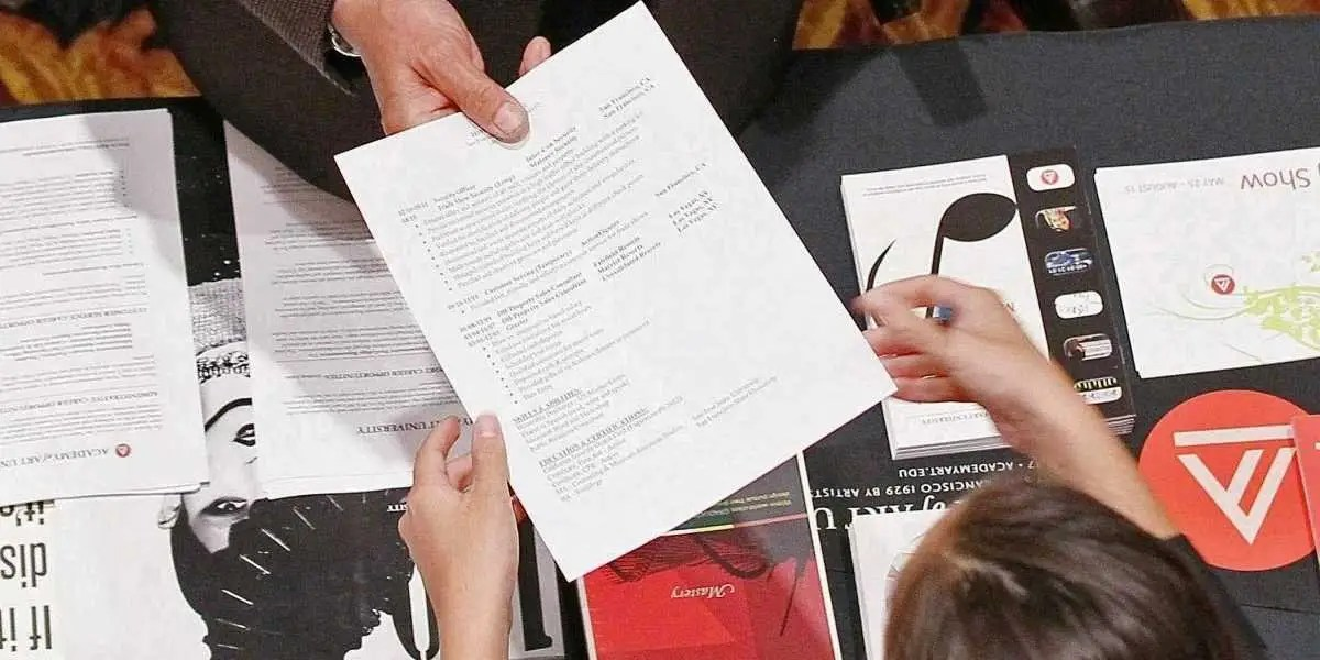 5 items to keep off your resume - Business Insider - things not to put on a resume