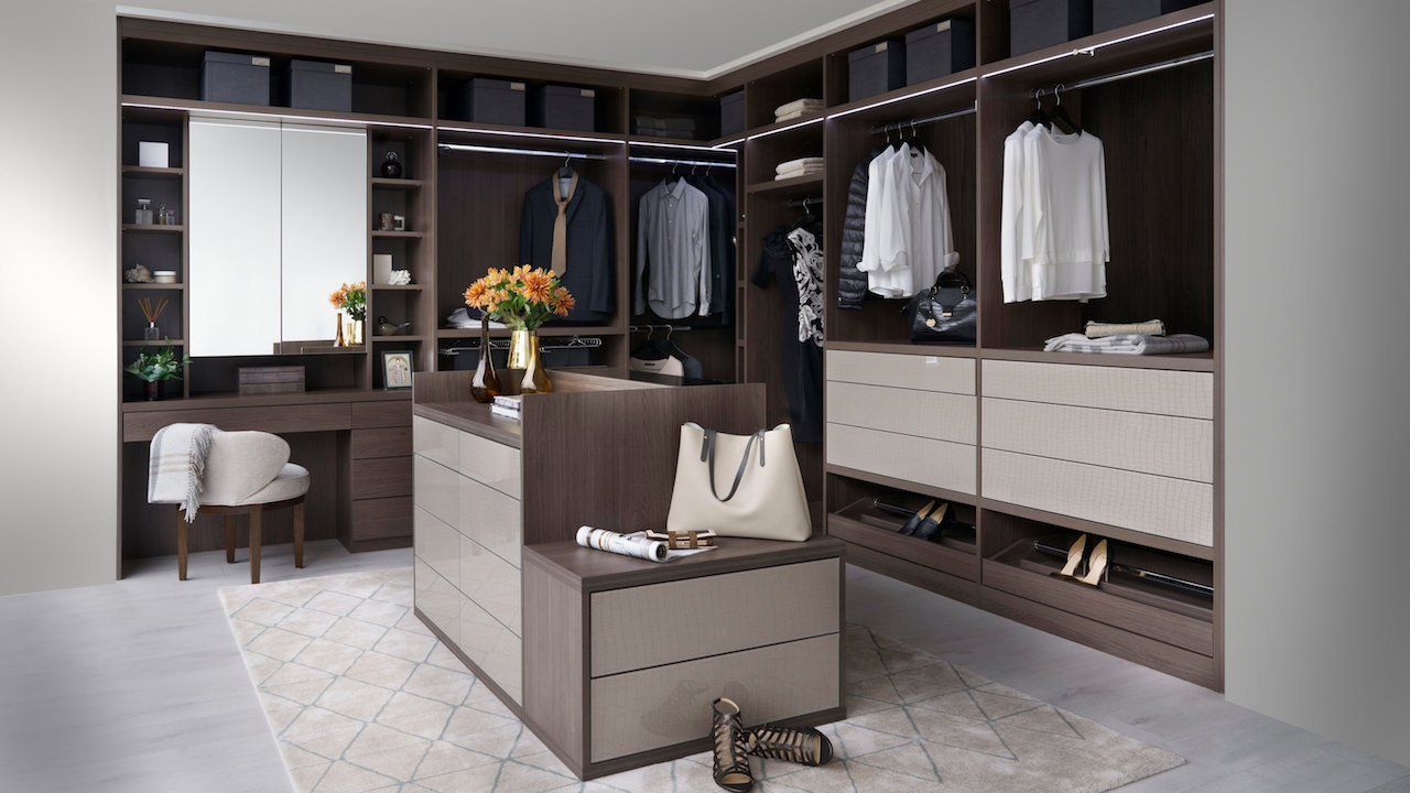 Walkin Closet Cabinets In Luxury Homes Walk In Closets Dazzle Mansion Global