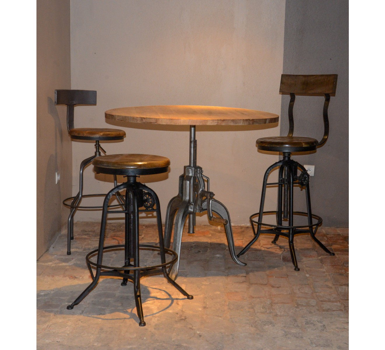 But Table De Bar Table Bar Industrielle A Manivelle Réglable Quotatelier Grey