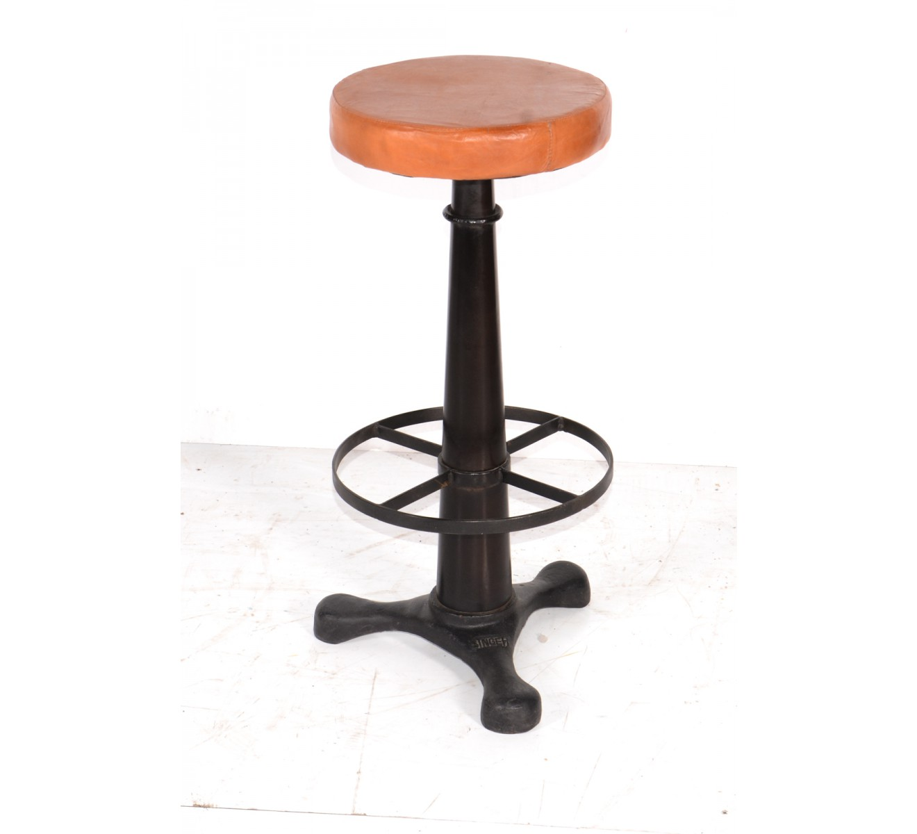 Tabourets Industriel Tabouret De Bar Industriel En Assise Cuir Réglable
