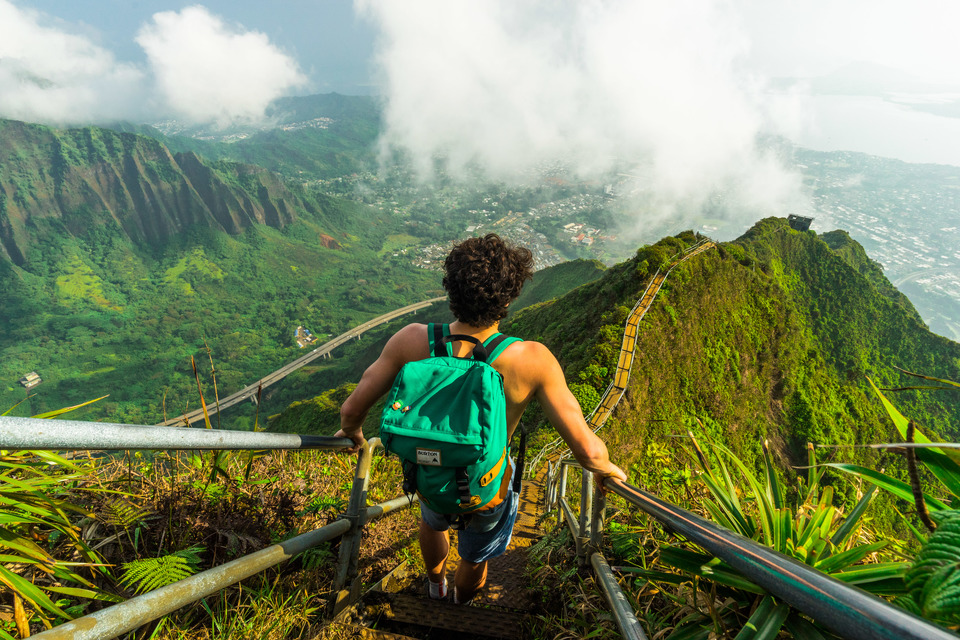Wallpaper Falling Off Ceiling The Stairway To Heaven Hawaii By Jackson Groves Tripoto