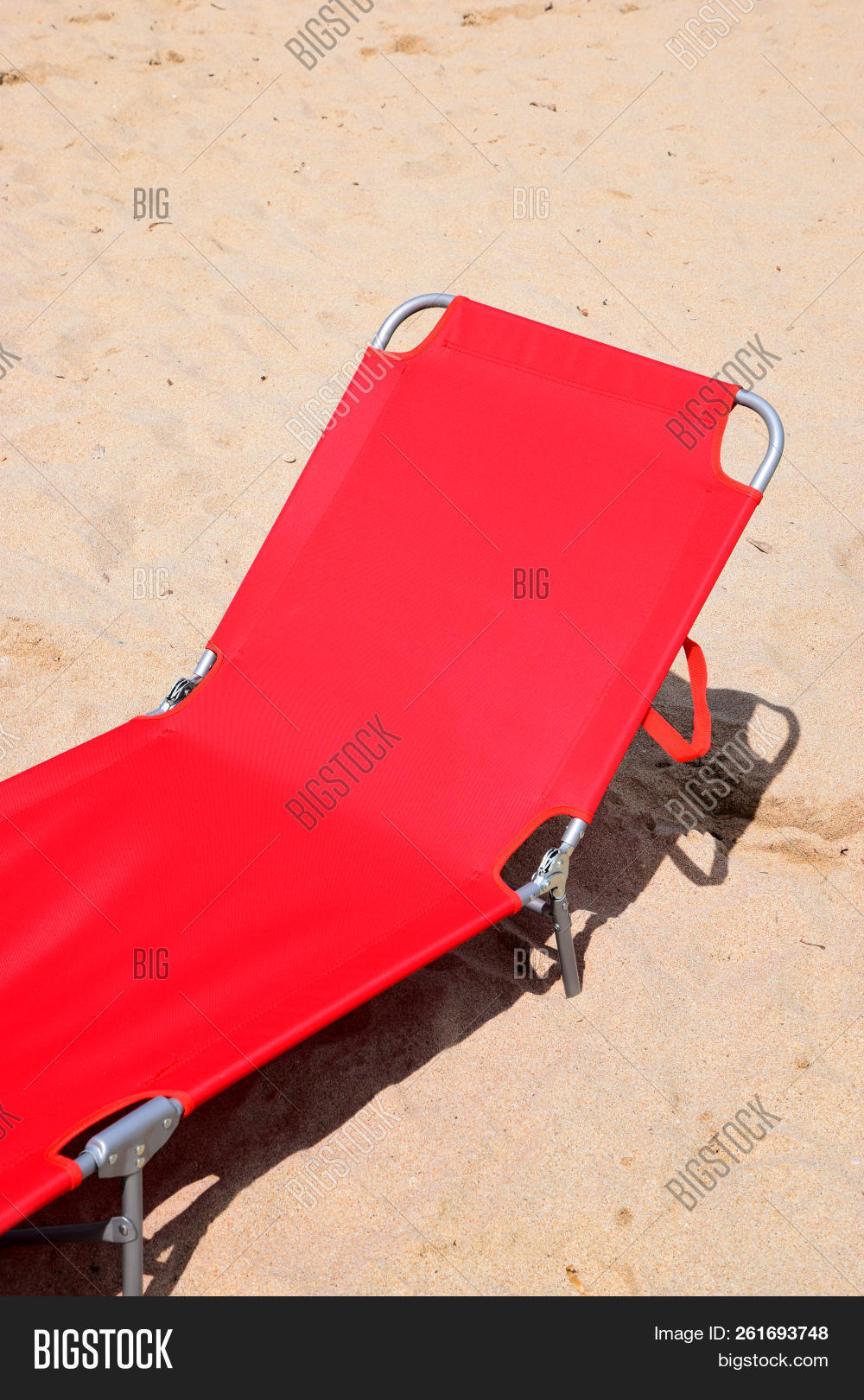 La Chaise Longue Radio Red Sun Lounger On Image Photo Free Trial Bigstock