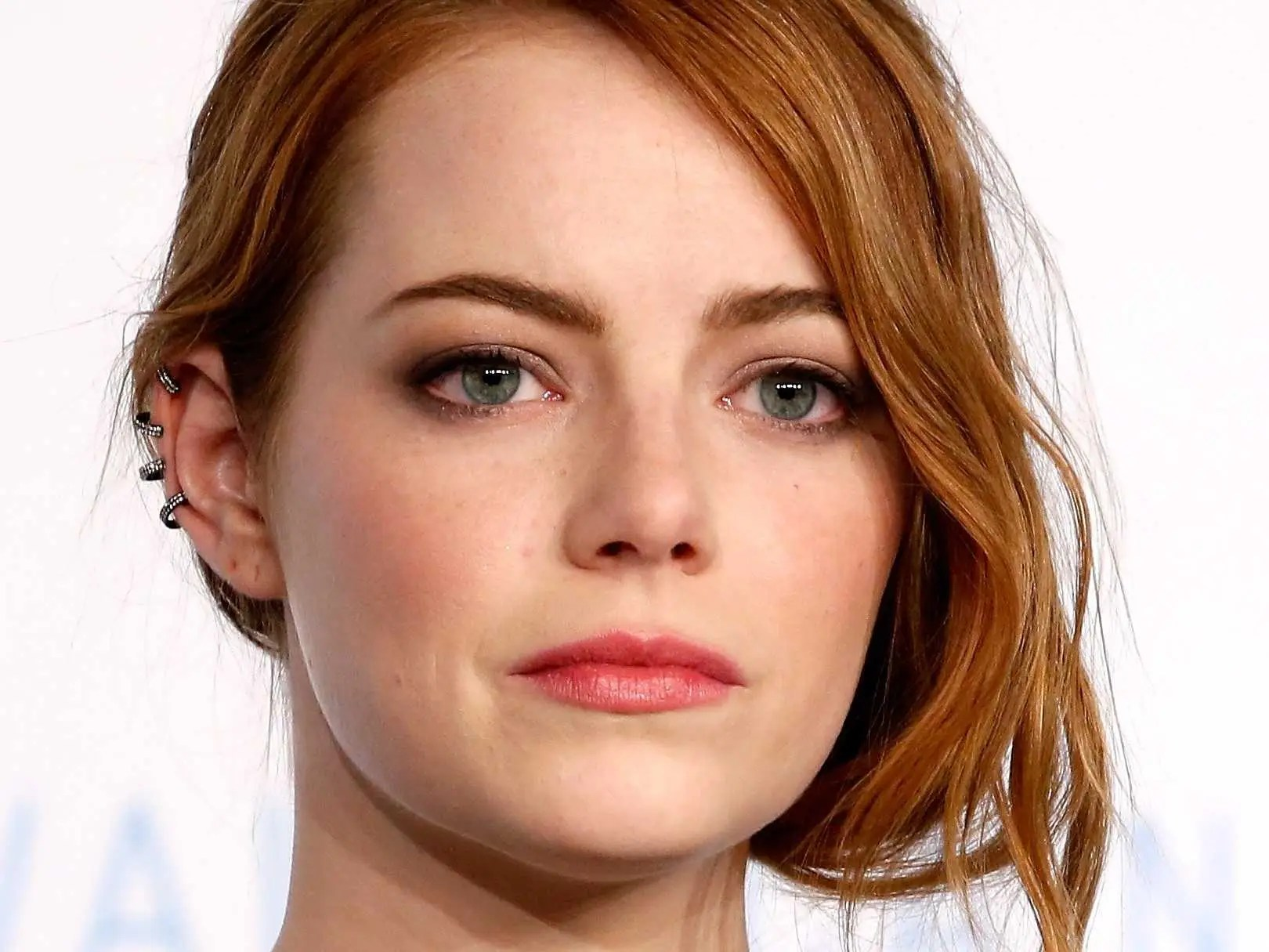 New Sad Boy Girl Wallpapers Emma Stone S Response To Sony Hack Wsj Interview