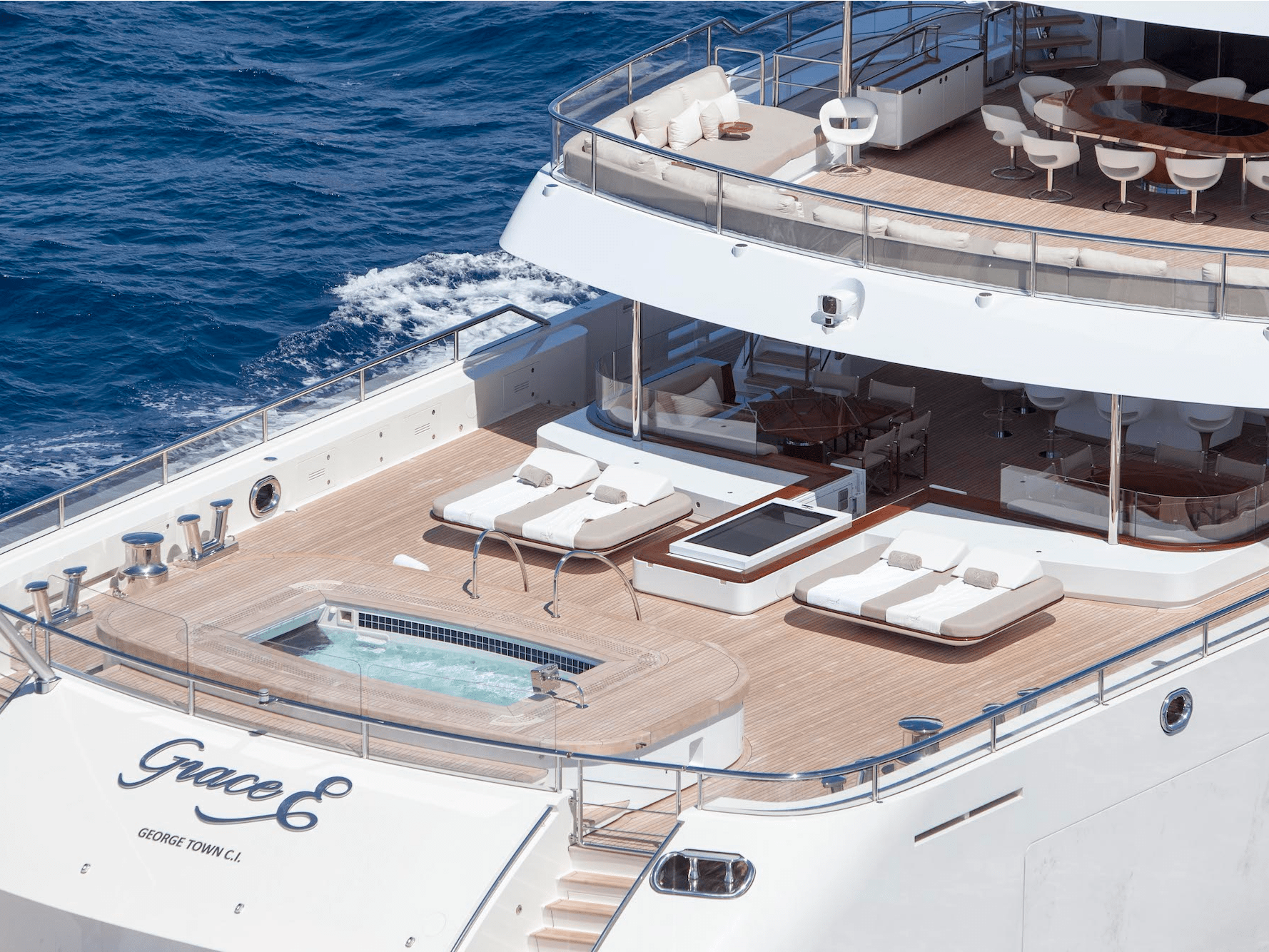 Inside Luxury Yachts Luxury Yachts At Miami Yacht Show 2018 Photos Details