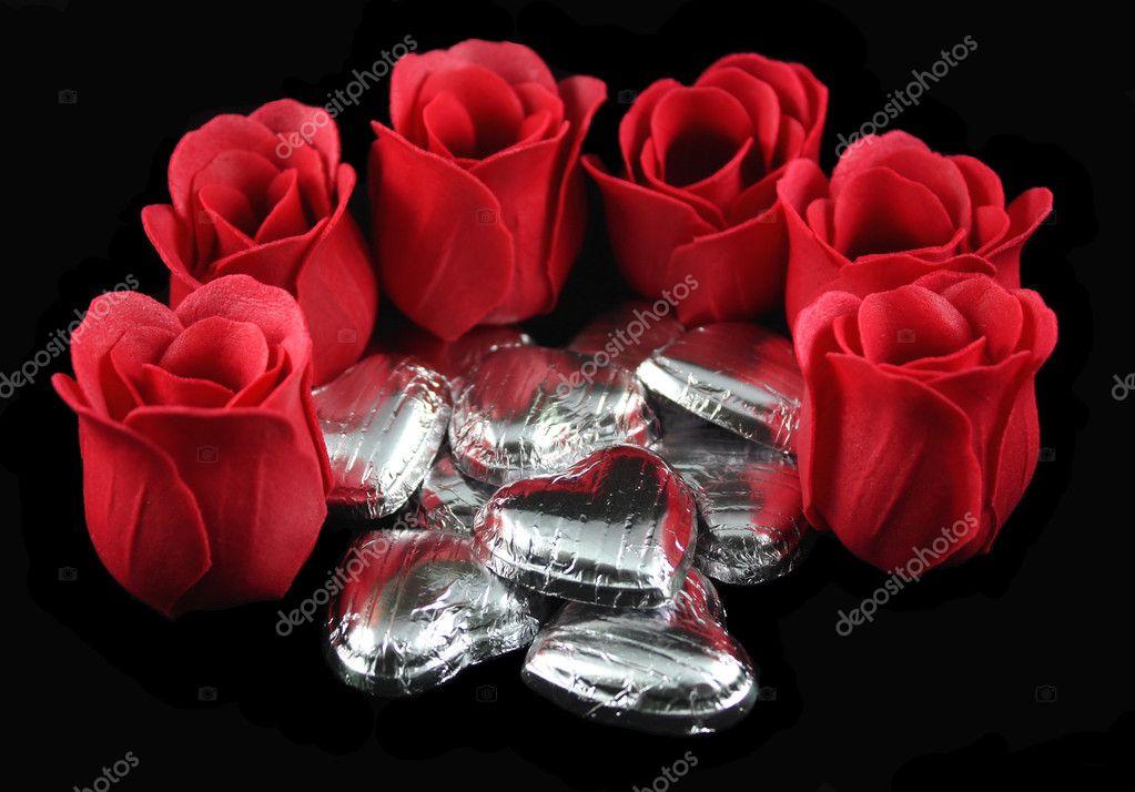 rosas y corazones de chocolate plata \u2014 Fotos de Stock © mreco99 #2523320