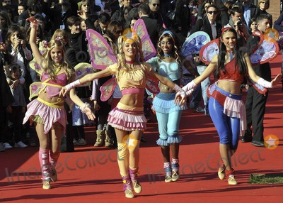 Winx Club Wallpapers For Iphone Photos And Pictures Cast Walk The Red Carpet At The
