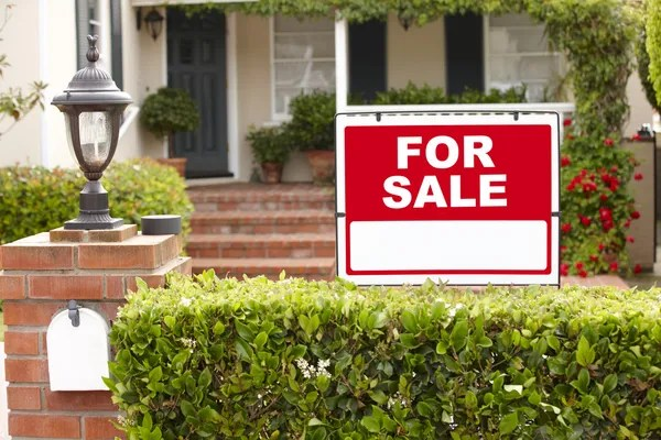 House for sale Stock Photos, Royalty Free House for sale Images