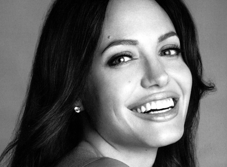 Kung Fu Panda Wallpapers With Quotes Angelina Jolie Smiling Close Up Wallpapers Popopics Com