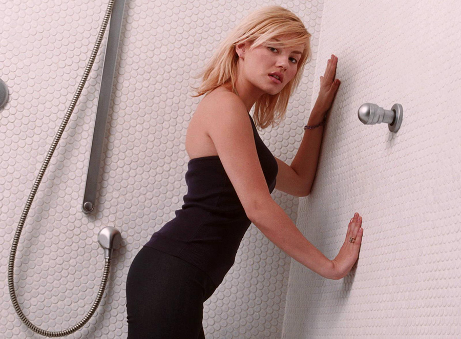 Hd Wallpapers For Mobile 1080x1920 With Quotes Elisha Cuthbert Hot Bathroom Wallpapers Popopics Com