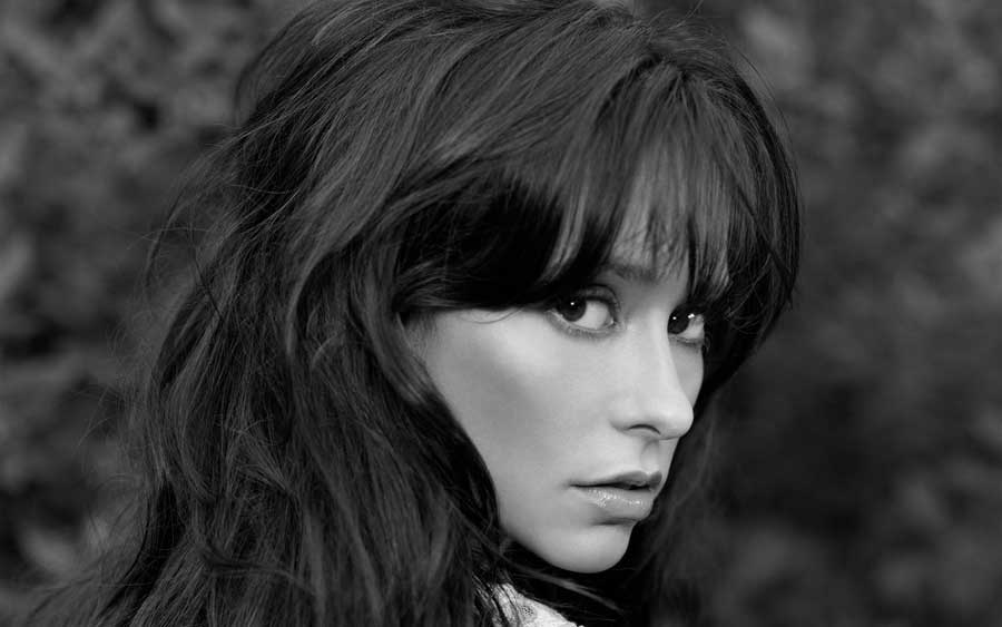 Sad Love Quotes Mobile Wallpapers Jennifer Love Hewitt Black And White Photoshoot Popopics Com