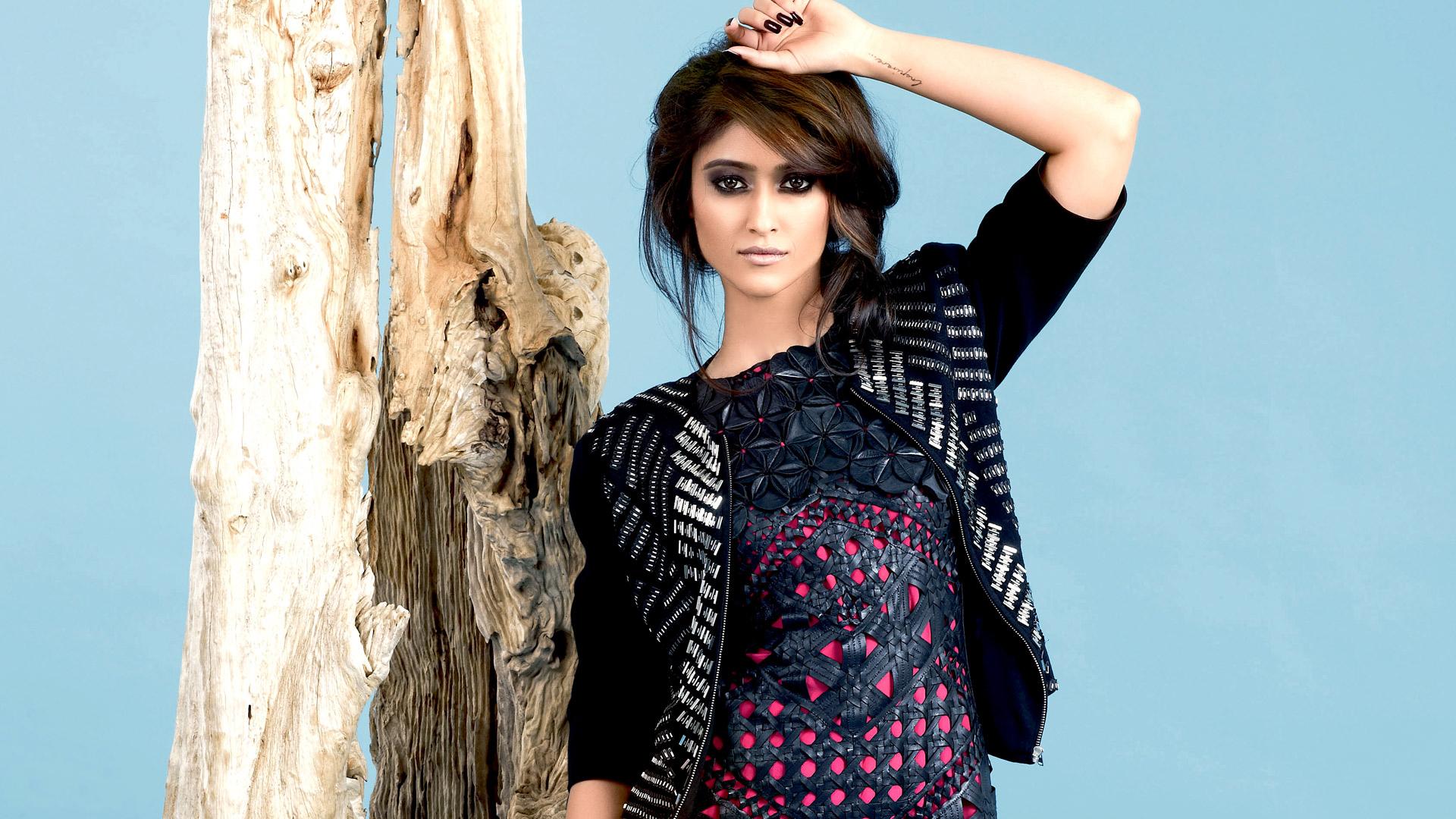 Saif Ali Khan Hd Wallpaper Facebook Covers For Ileana D Cruz Popopics Com