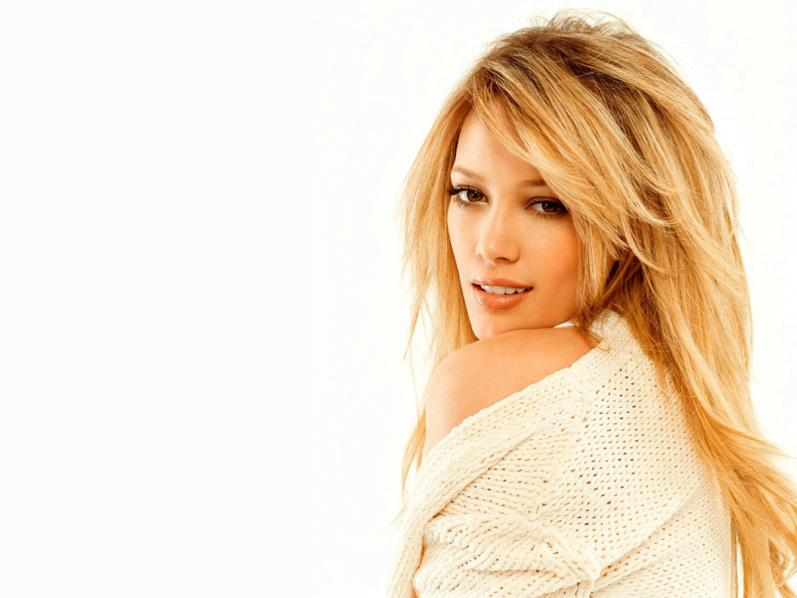 Cute Hollywood Actress Hd Wallpapers Hilary Duff Latest Look Popopics Com