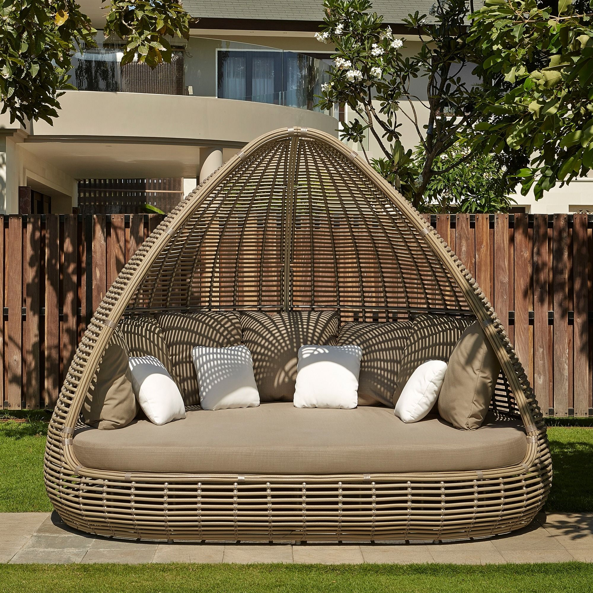 Rattan Outdoor Shade Rattan Daybed Sofa Garden Furniture