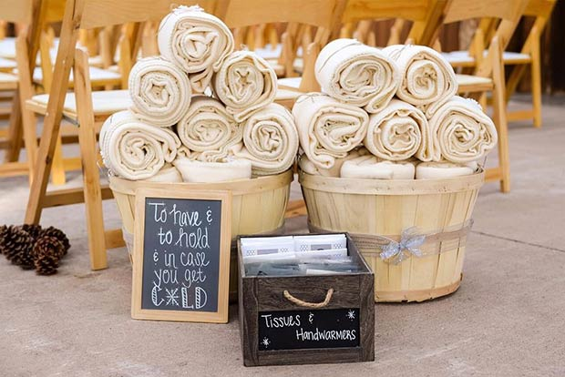 Winter Wedding Blankets for Guests