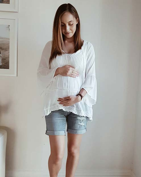 Summer Maternity Shorts Outfit