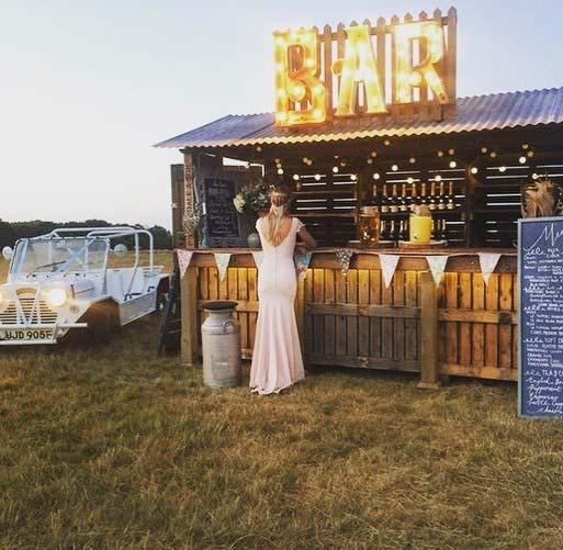 Outdoor Wedding Bar Idea