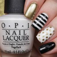 21 Beautiful Black and Gold Nail Designs | StayGlam