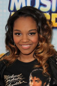 China Anne McClain Hairstyles & Hair Colors | Steal Her Style