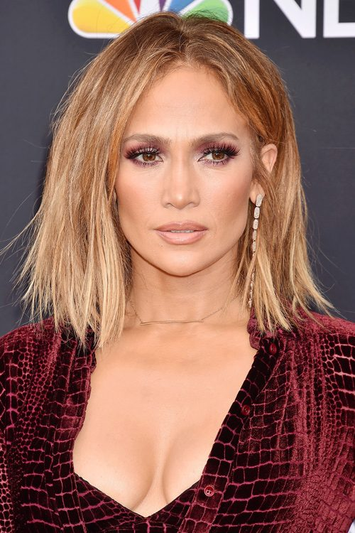 Jennifer Lopez's Hairstyles & Hair Colors