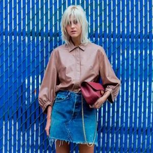 street-style-look-camisa-bege-saia-jeans