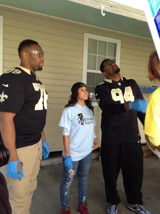 "(2013) Stefani Vara and New Orleans Saints- Rebuilding Together Superbowl ""Day of Service"" event"