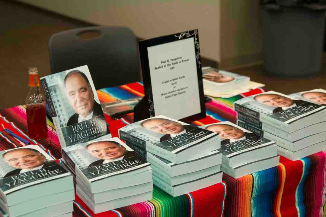 x Raul Yzaguirre Book signing Photo by Phil Soto 66