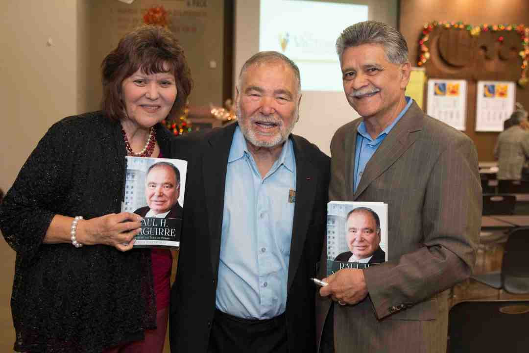 x Raul Yzaguirre Book signing Photo by Phil Soto 663
