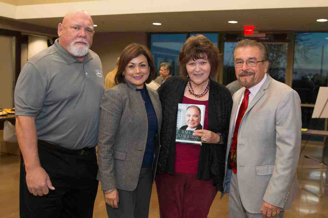 x Raul Yzaguirre Book signing Photo by Phil Soto 95
