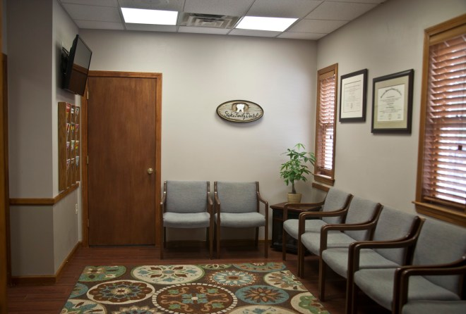 Our newly remodeled office features cable television & current magazines in the waiting room for your comfort.
