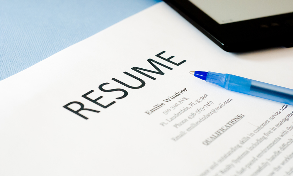 8 Ways to Make Your Resume Stand Out! - Step Up Recruiting