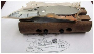 CRKT_Burnley_Squid_Bamboo_Knife_Tutorial_2