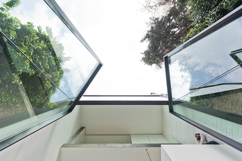 Contemporary Garden Ideas Uk These Are The Largest Incredible Glass Pivoting Doors In
