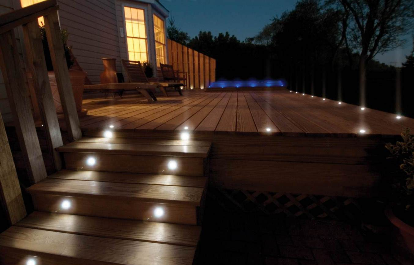 Terrassenbeleuchtung Solar 25 Amazing Deck Lights Ideas. Hard And Simple Outdoor