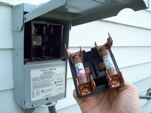 outside air conditioning fuse box