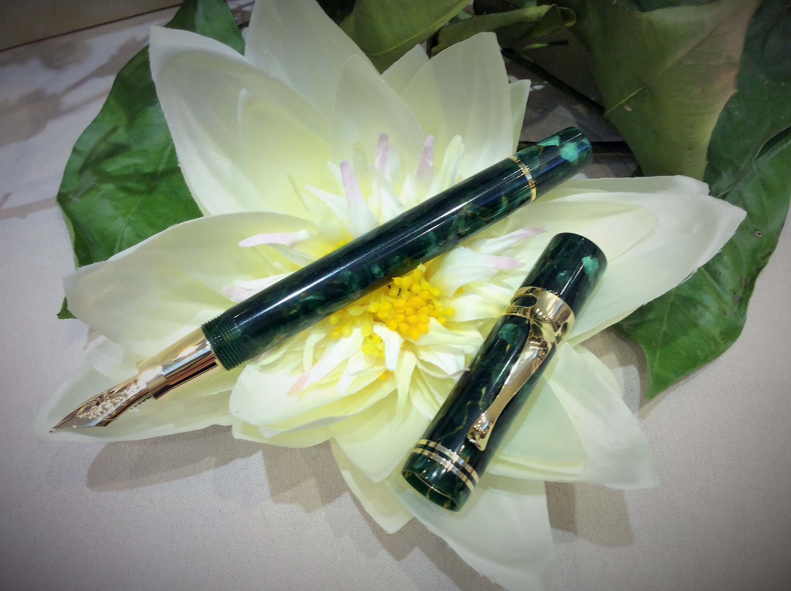 Calligrafia Elegante Online Visconti Ragtime Spring Limited Edition By Corsani Penne