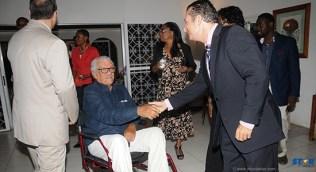 Nobel Laureate Derek Walcott (l) meets Bruno Stéfani, director of Alliance Française de Sainte-Lucie.
