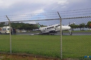 A BE99 Aircraft of Hummingbird Airlines crash landed at GFL Charles Airport Sunday.