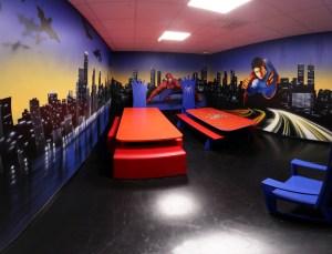 комната супер героев в игровом парке_1