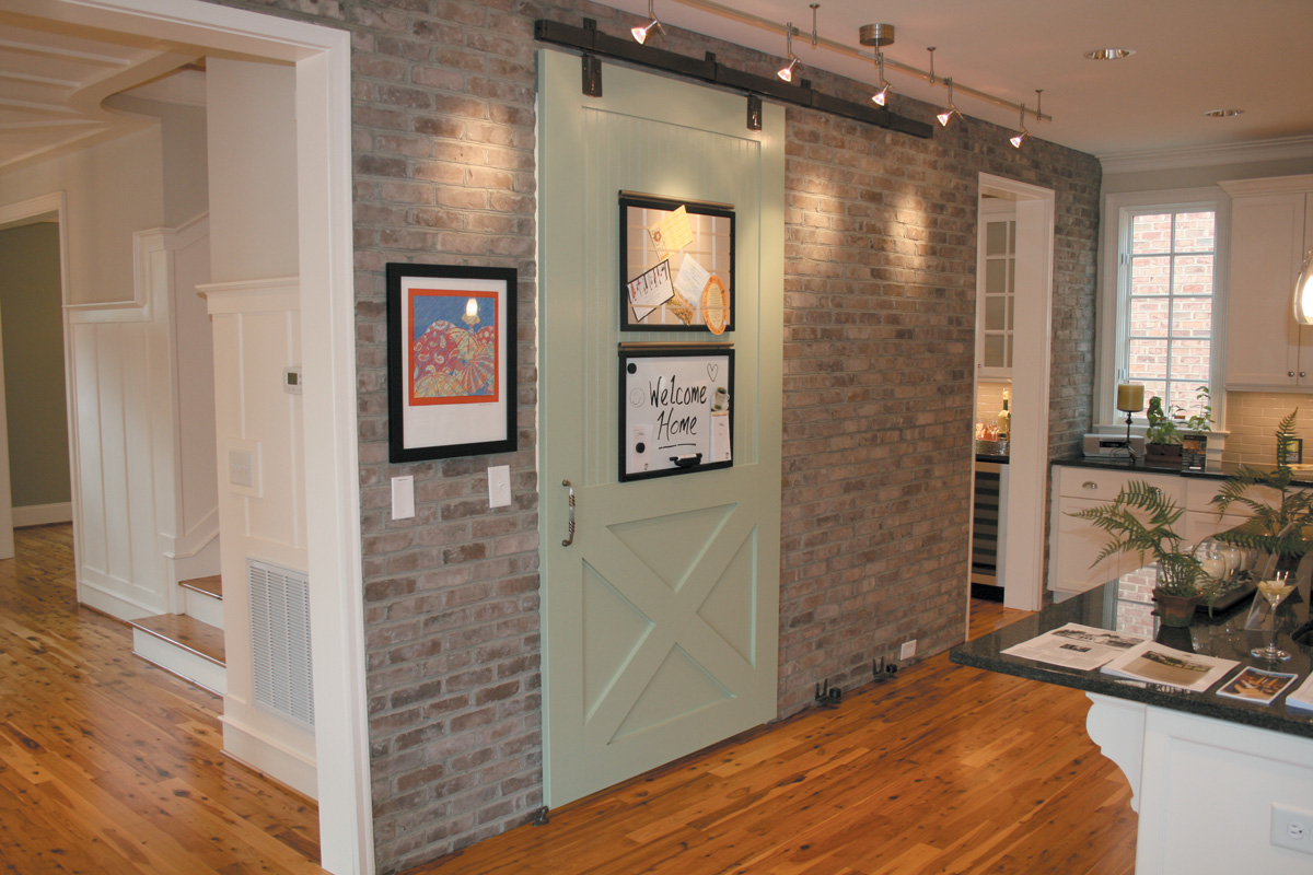 Brick Veneer Accent Wall Using Brick Veneer To Accent The Interior Of Your Home